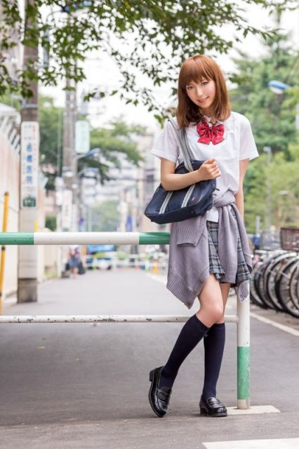 女子高生の写真なの( ´,_ゝ`)