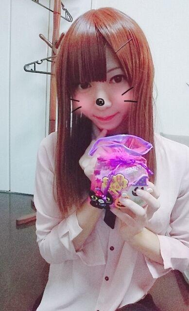 御菓子貰っちゃった(ノ´∀`*)♪