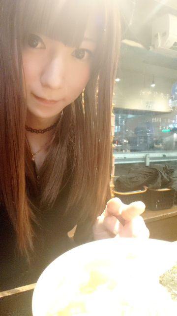昨日は帰りに外でゴハン食べた(/^^)/