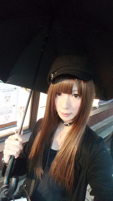 傘も真っ黒なのは変かな(´・ω・`)?