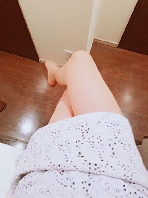 足を組む♪
